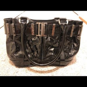 BURBERRY BLACK QUILTED PATENT LEATHER BAG